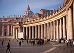 Il colonnato della basilica di San Pietro a Roma