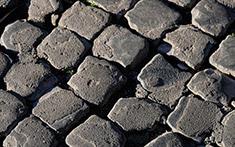 Pavimentazione con sampietrini (Roma)