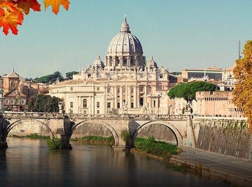 La Basilica di San Pietro vista da uno dei ponti del Lungotevere